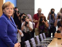 Merkel in cerca di lavoratori stranieri specializzati