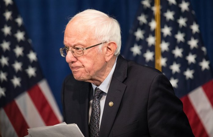 Sanders si ritira dalle elezioni