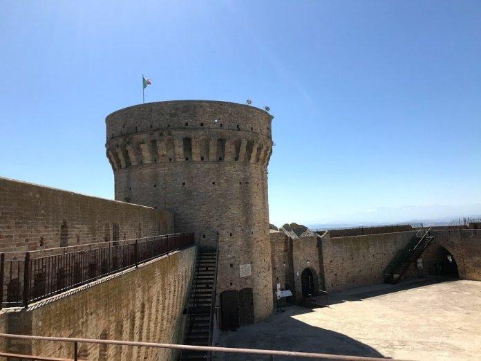 Rocca di Acquaviva
