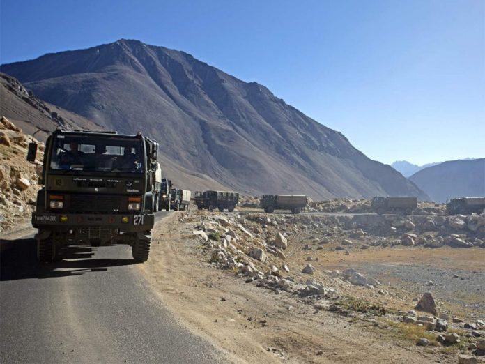 India e Cina cominciano il ritiro dei militari dalla zona di confine