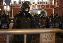 Russia espelle diplomatici europei mentre Lavrov incontra Borrell