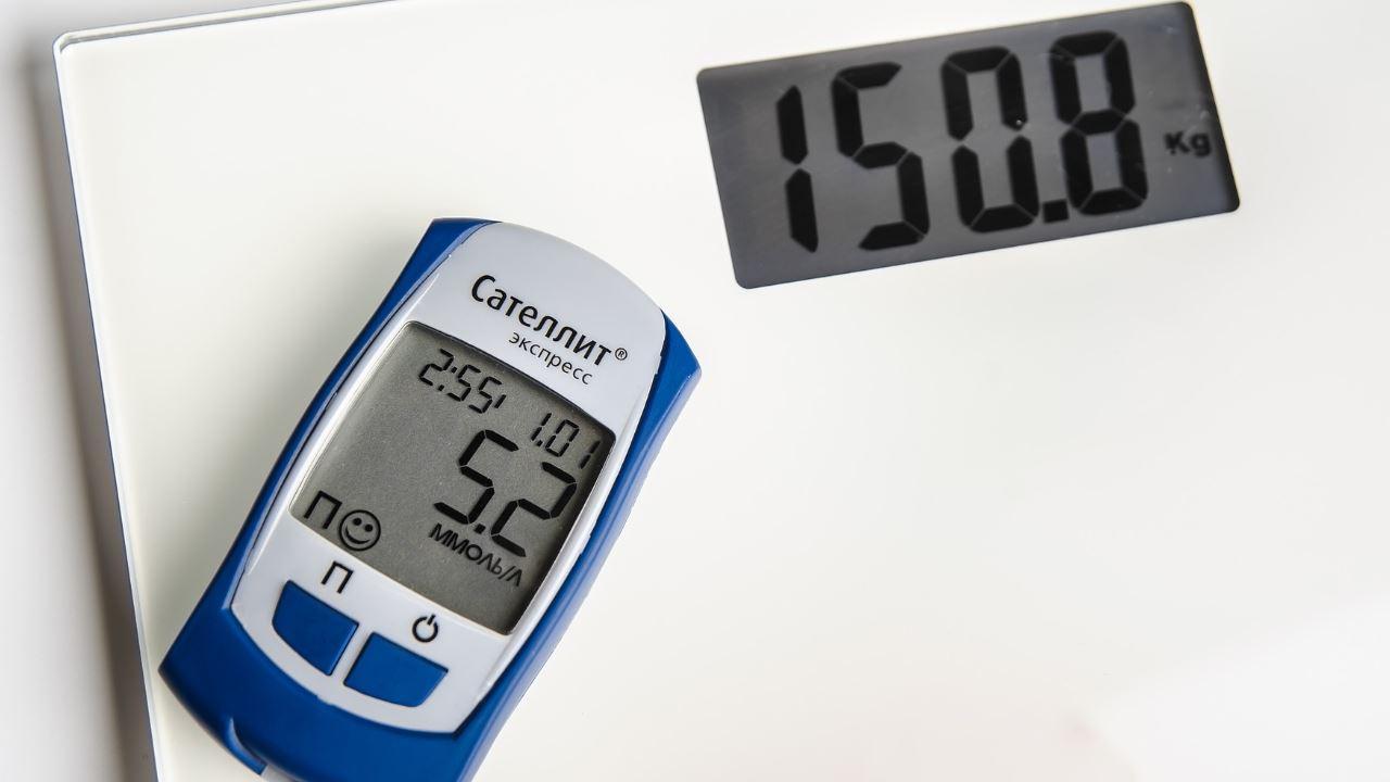 diabete misuratore glicemia livelli zucchero Bilancia peso obesità forma Brook ohmetro-1280×720