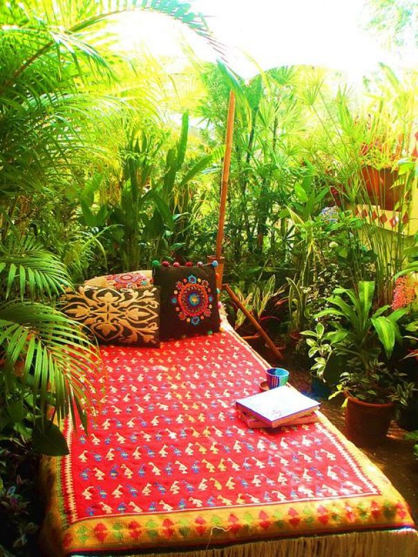 balcony-garden-perfect-reading-and-meditation-corner