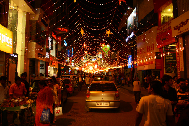 Commercial-street-bangalore-christmas-markets