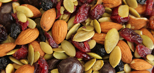 Cranberry-nuts-trail-mix