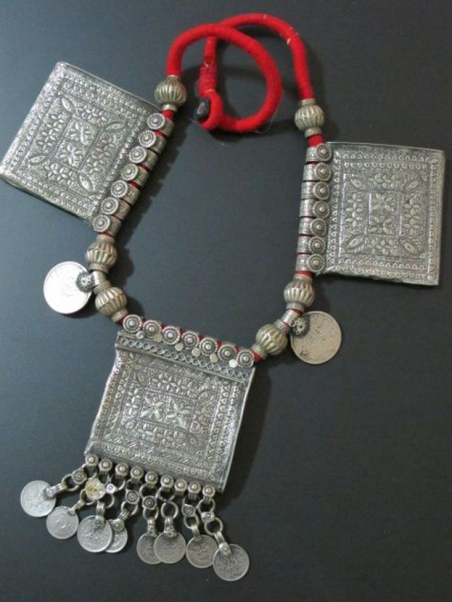 kashmiri-tribal-jewellery