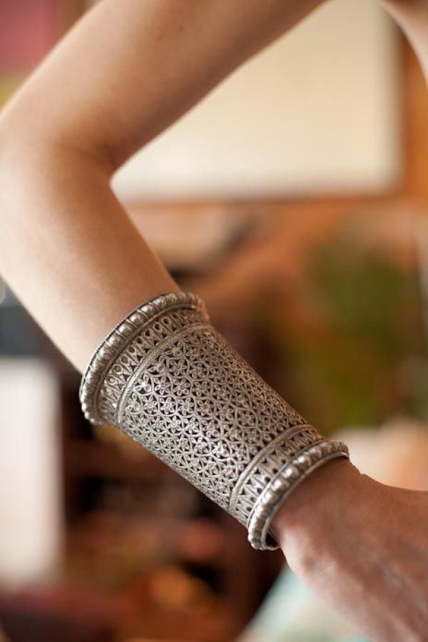 You can never have too many of these cuffs! Classy and royal ... via