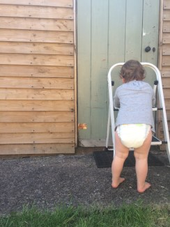 No trousers no mum