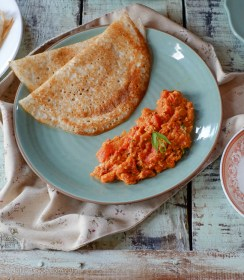 Scrambled Eggs in Spicy Tomato Sauce | Scrambled Eggs in Tomato Chutney on notjustspice.com