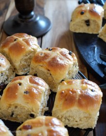 Hot Cross Buns on notjustspice.com