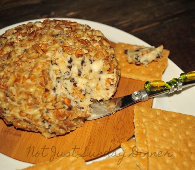 Chocolate-Chip-Cheese ball