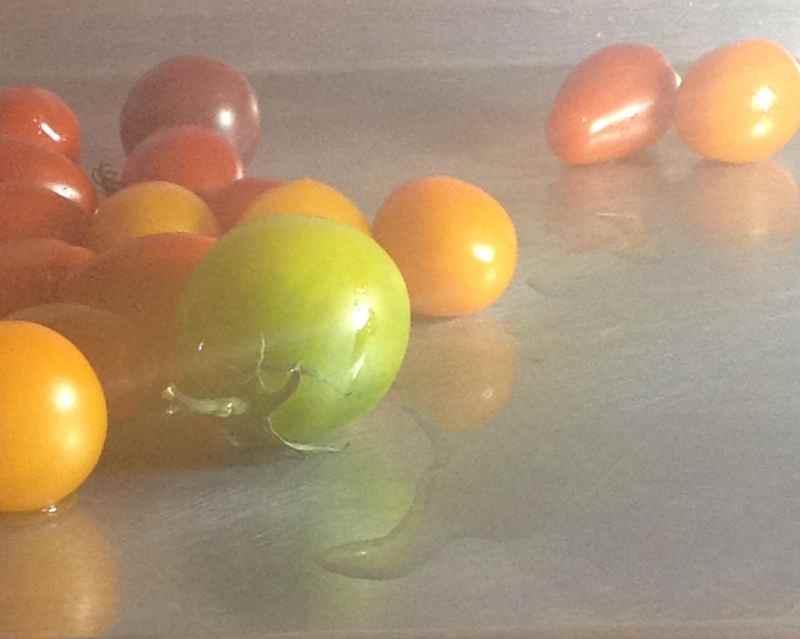 tomatoes-on-baking-sheet
