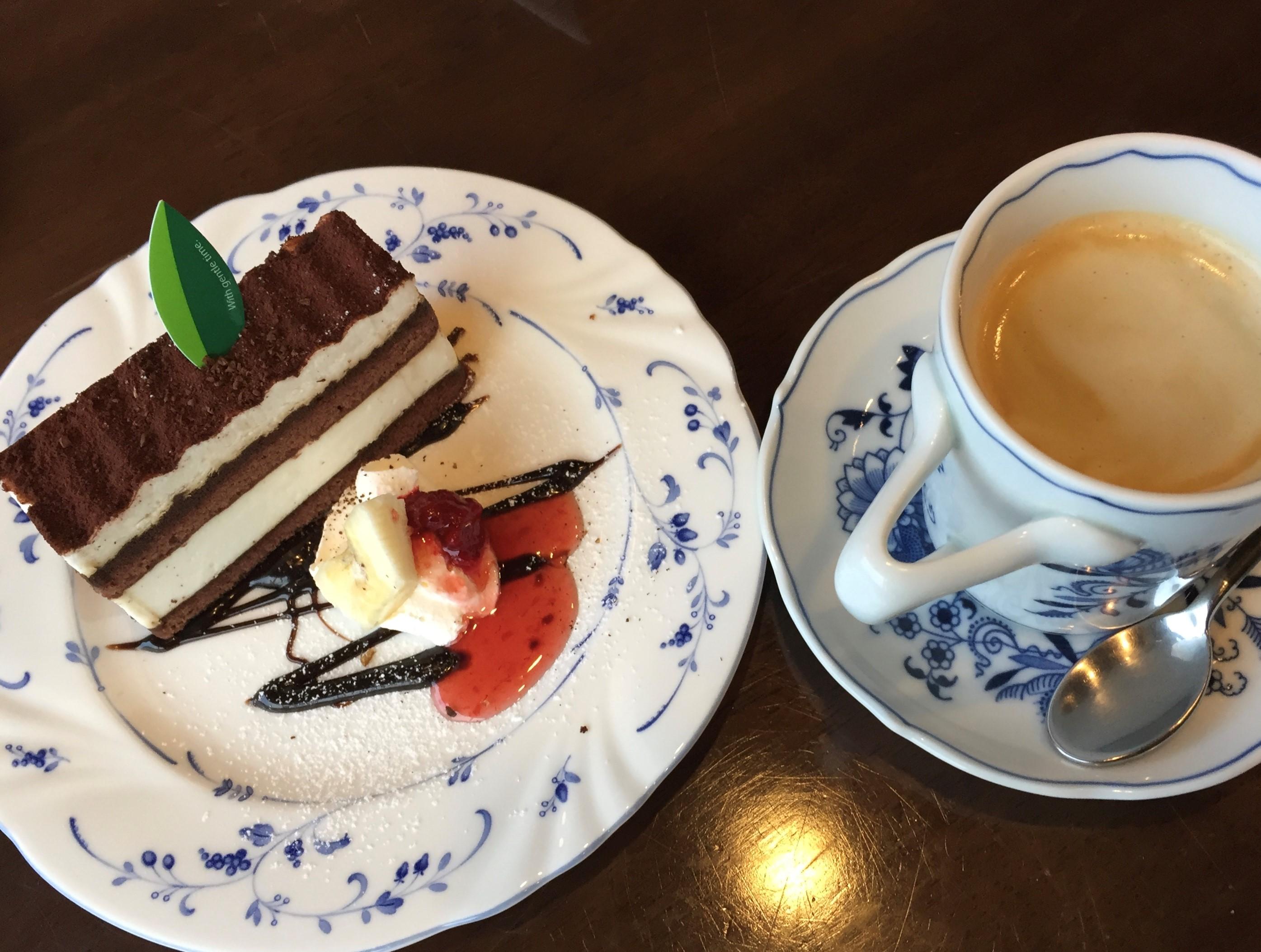 """能登半島""""パノラマ風景""""をごちそうにできるカフェ  J,Road【七尾市】"""
