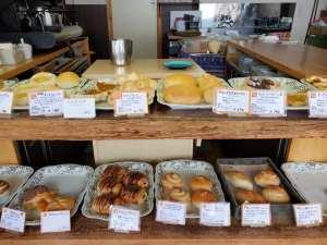 目の前が海!海を眺めながらカフェができるパン屋さん『能登ぱん』【能登町】