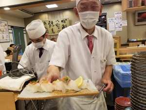 「まぐろや七尾店」は市場直送!能登・金沢の旬の旨いを味わえる回転寿司【七尾市】