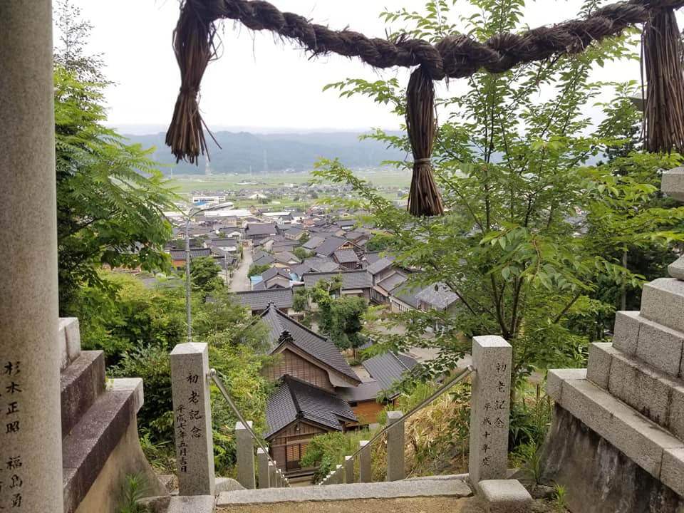 町を一望できる絶景スポット!前田利家と有縁の由緒ある「能登部神社」【中能登町】
