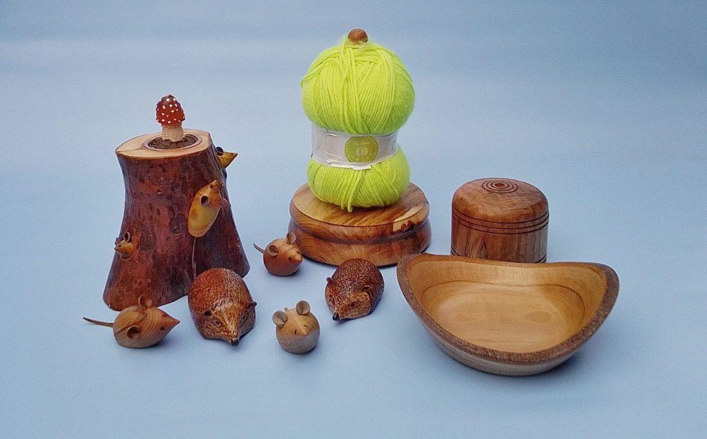 Wool dispenser, pencil sharpener,tealight holder & ornaments