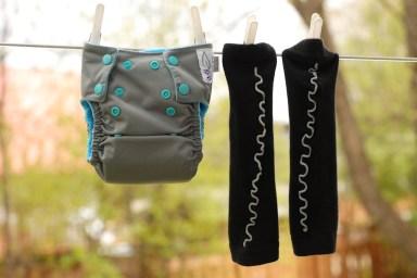 Couche à poche Petit velours charcoal et aqua avec jambières Babyleggings Black Ruffles