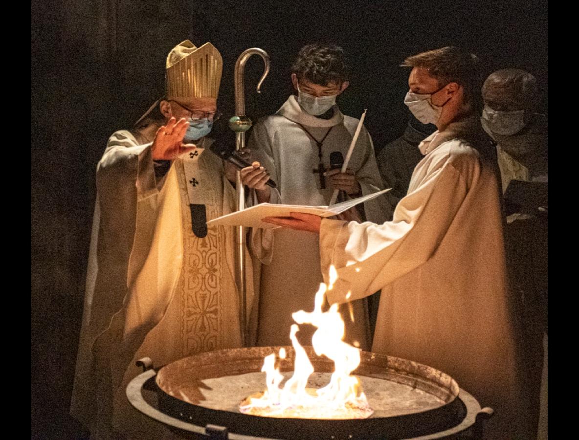 En images : l'Aube Pascale du 4 avril 2021 en la cathédrale de Clermont