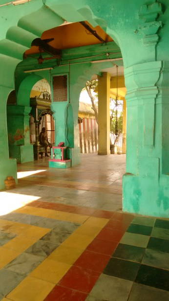 Lazy temple mornings