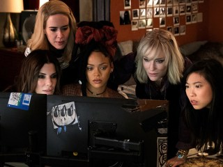 ocean's 8 cast with sandra bullock and cate blanchett