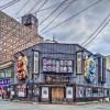【HDR写真】秋田の路地裏。なまはげの大きなお面のある居酒屋の風景。