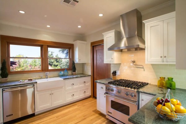 "36"" Stainless Steel Viking Range And Hood - Nott & Associates"