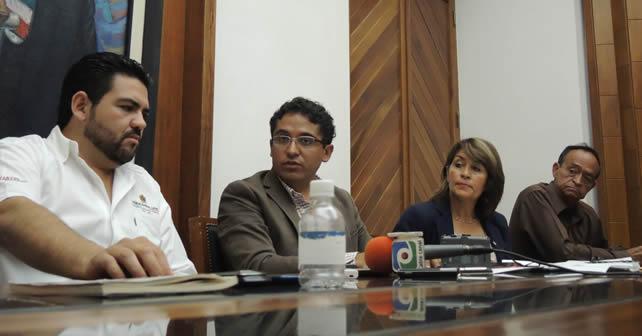 Conferencia de prensa ofrecida por los Regidores del PRI. Foto NOTUS/Esaú González
