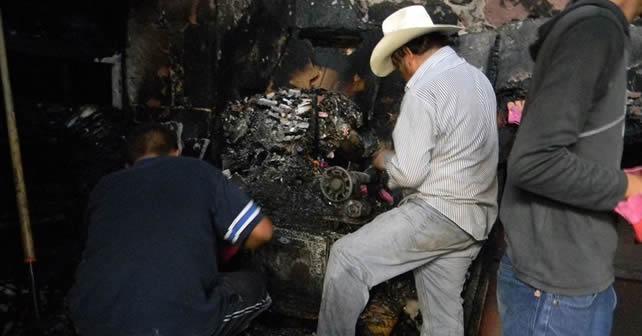 altar-de-muertos-incendio