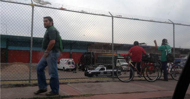 Encuentran a trailero muerto en central de abasto de Irapuato