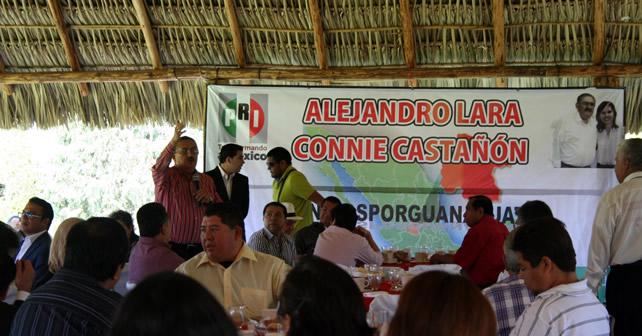 Foto: Alejandro Lara en discurso