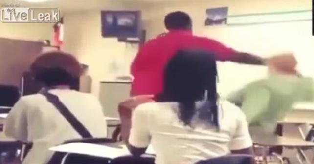 estudiante golpea a maestra