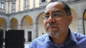 Dr. Arturo Fern_ndez T_llez