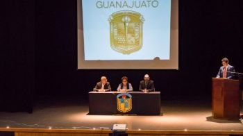 Mtro. Ariel Rodríguez, Dra Carlota Laura, Dr. Joel Padilla Cordova (Custom)