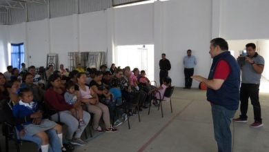 "Photo of Reunión con beneficiarios del programa  ""Mi Casa Diferente, Mi Hogar Con Valores"""