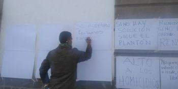 Vuelven a colocar cartulinas con mensajes de paz para Irauato (Personalizado)
