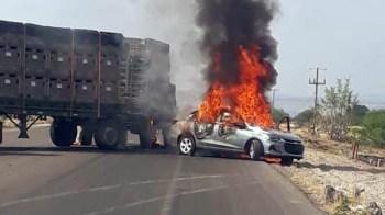 carro_incendiado