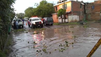 Photo of Presa desborda agua en Pénjamo y ocasiona cierre de paso en comunidad