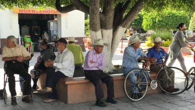 Photo of Cueramarenses ignoran el uso de cubrebocas en espacios públicos.