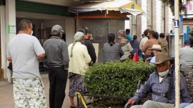Photo of Adultos mayores haciendo fila en bancos de Pénjamo