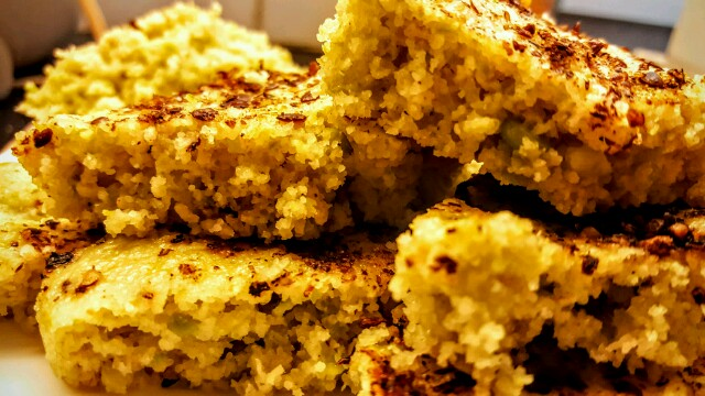 The fluffy and delicious instant oats, semolina and green peas dhokla
