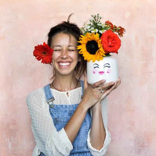 the-flowerman-silly-face-flower-vase-crafts-for-kids-diy-family-friendly