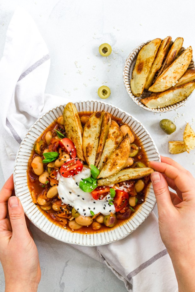Mediterranean Butterbean and Carrots with Potato Wedges
