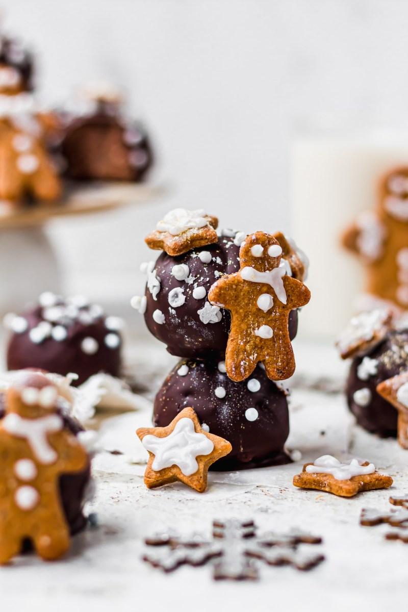 Gingerbread Chocolate Cake Bombs