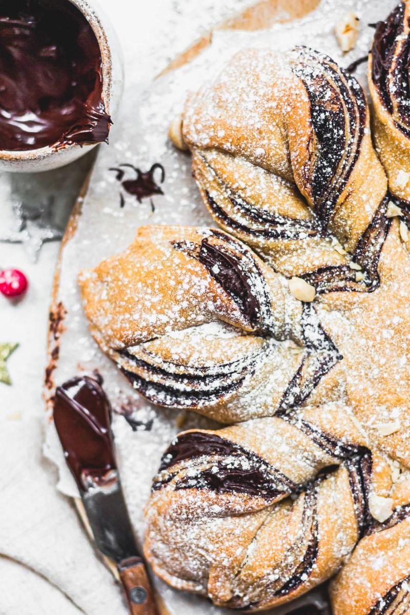 Vegan Chocolate Star Bread (30 Minutes)