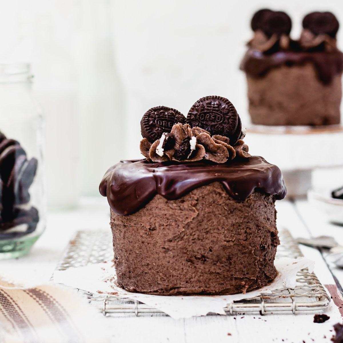 Vegan Mini Oreo Cakes