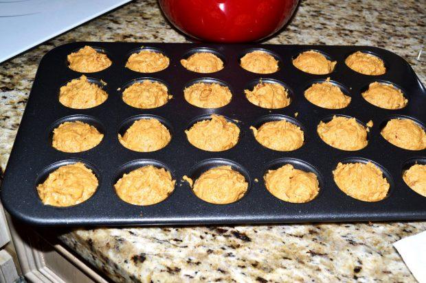 Mini Pumpkin Muffins Pan