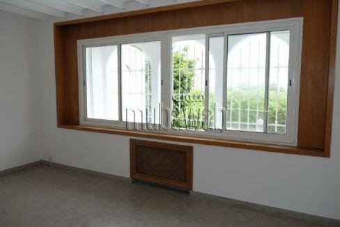 villa-750-m²-5-chambres-chauffage-central-piscine_17984030