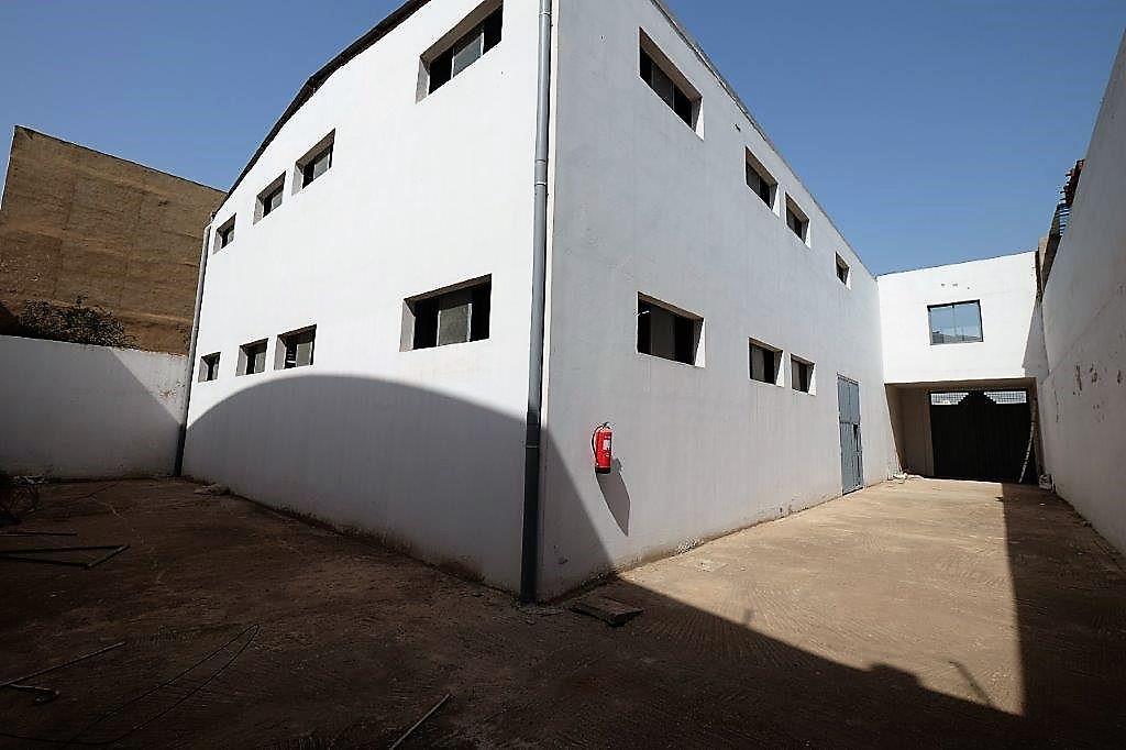 a louer Local industriel  850 m² Ouled Salah