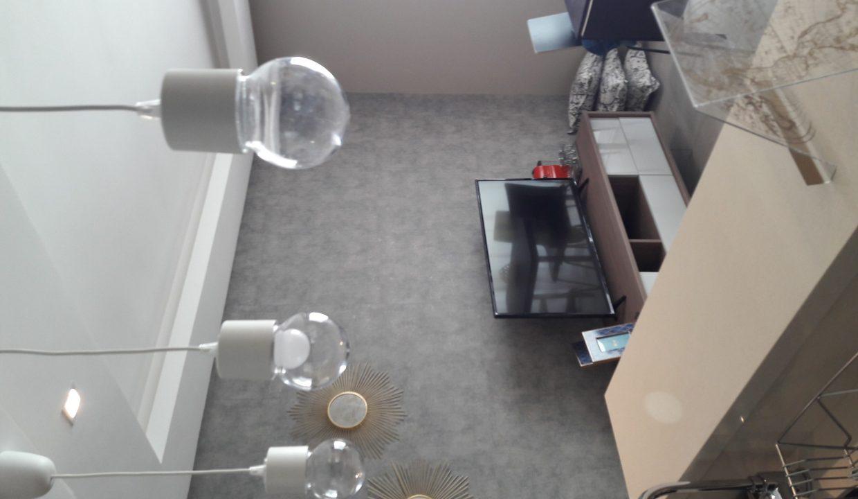 à louer vaste et superbe studio meublé de luxe
